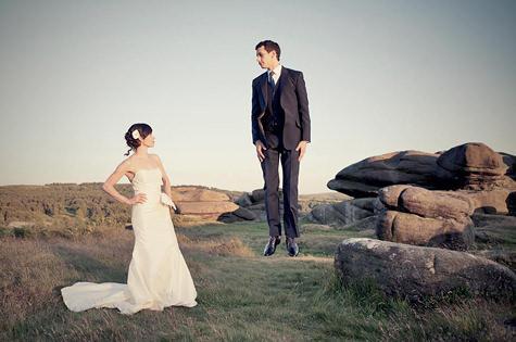 Foto Pre Wedding Bergaya Levitasi