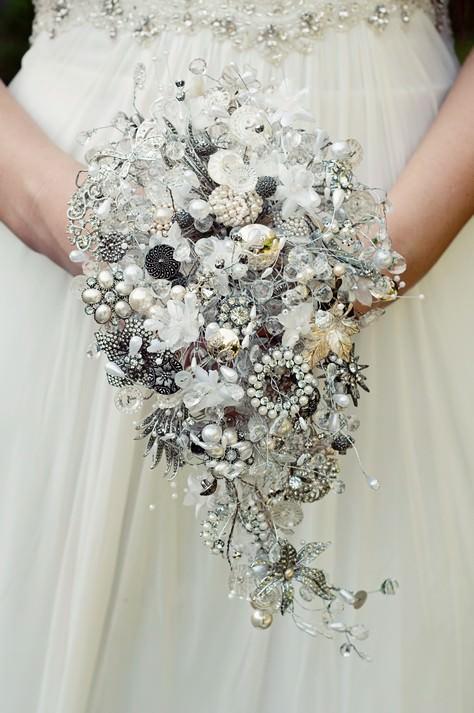 Inspiration Friday: Alternative Bridal Bouquets - Boho Weddings For ...