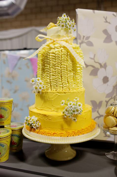English Couture meets exquisite styling and fabulous cakes......it\'s ...