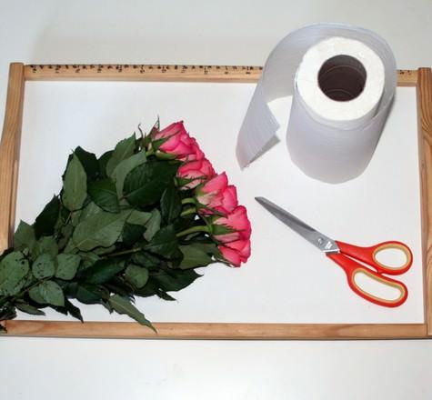 DIY rose petal confetti