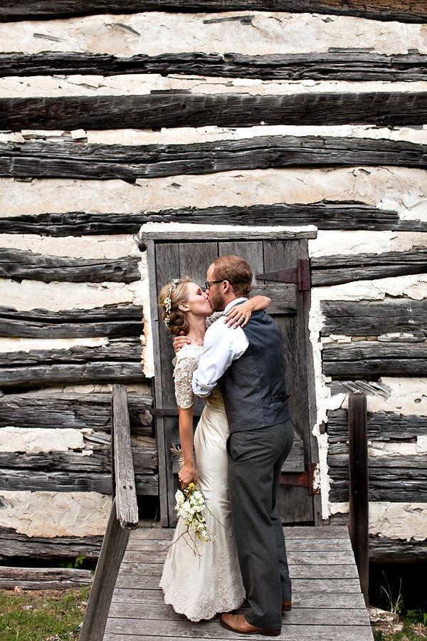 Missouri wedding couple