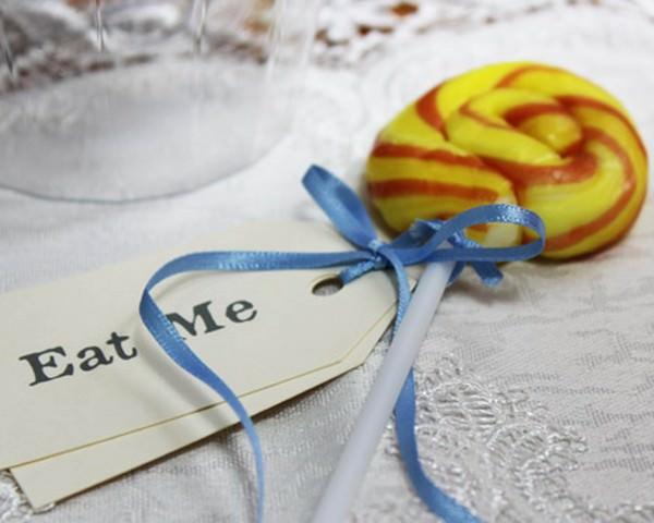 Vintage Invitations - Eat me sweet table