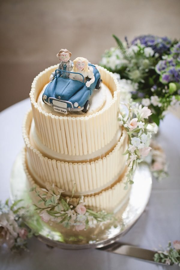 car themed wedding cake