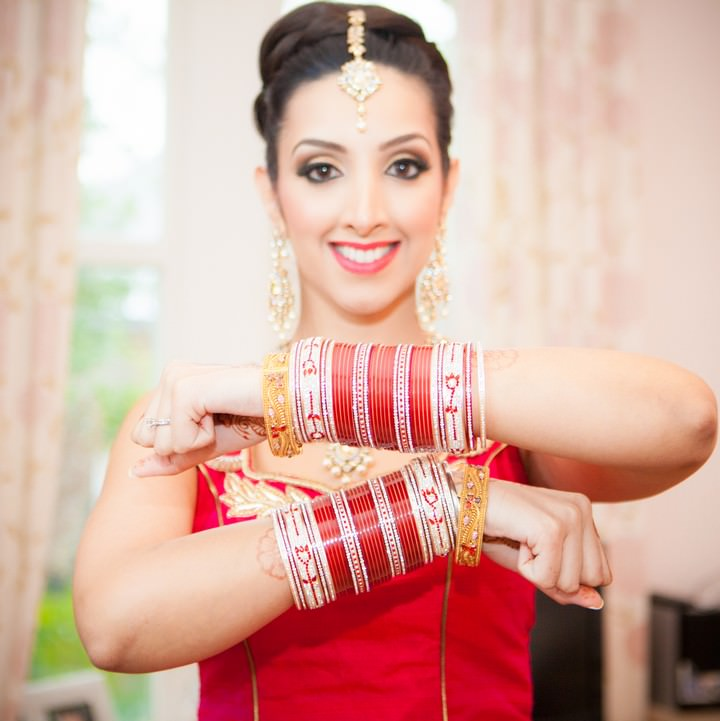 Asian bride with custom made jewellery