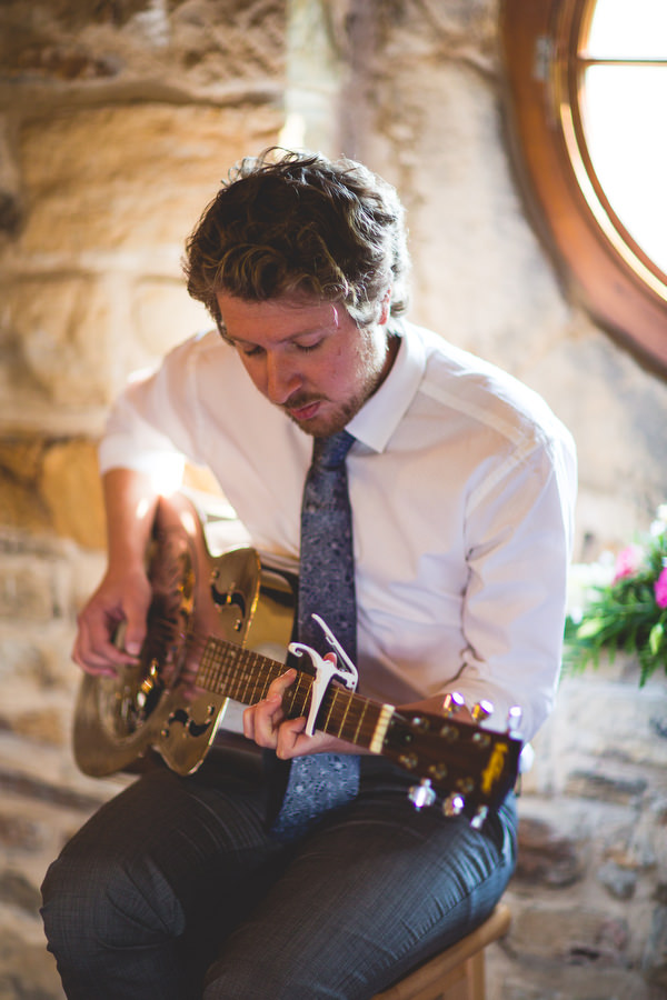 guitar playing before wedding ceremony