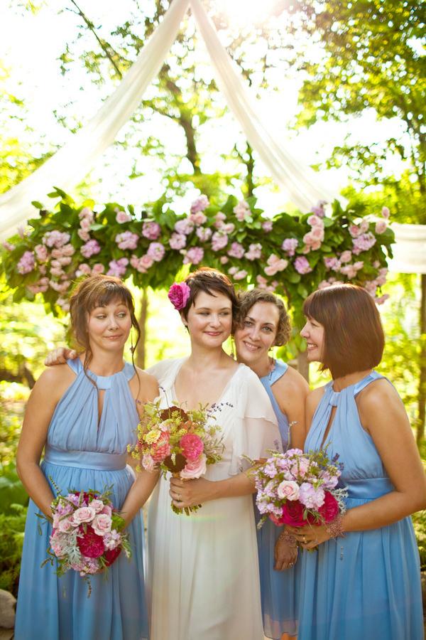 Ohio wedding bride and bridesmaids