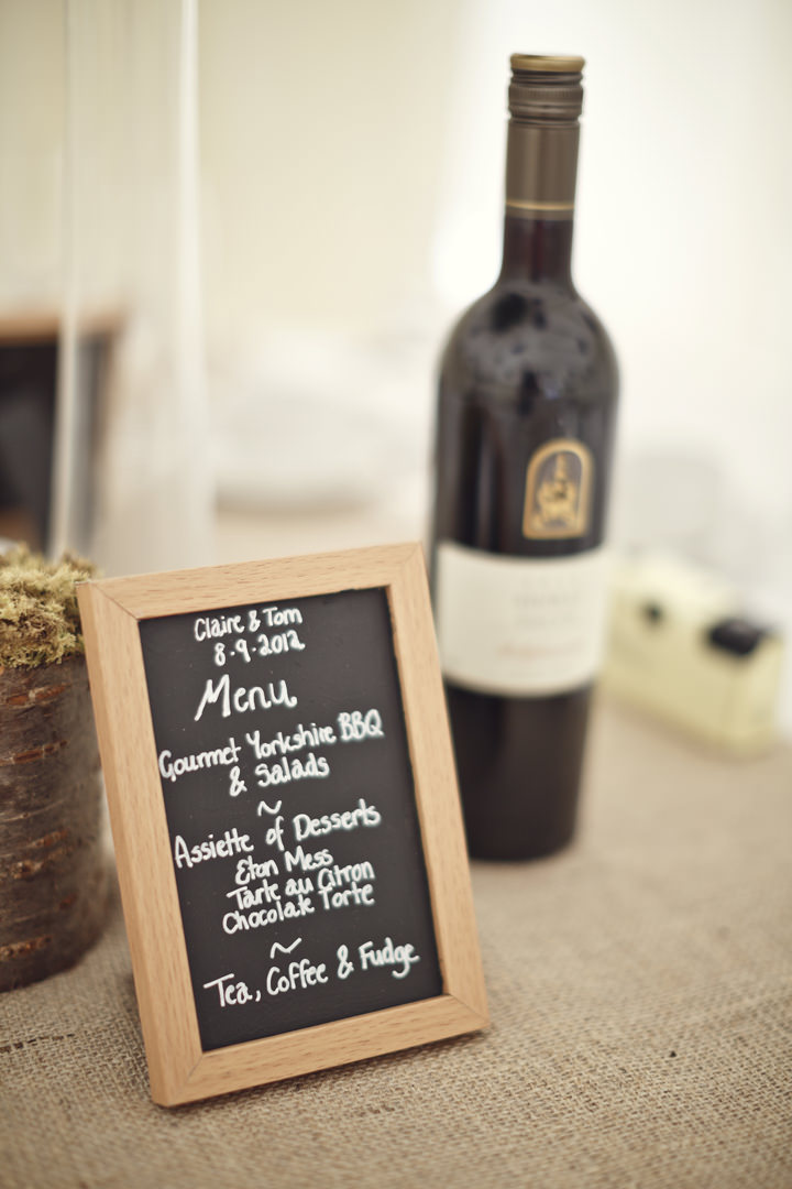 Hessian runners and chalk board menus