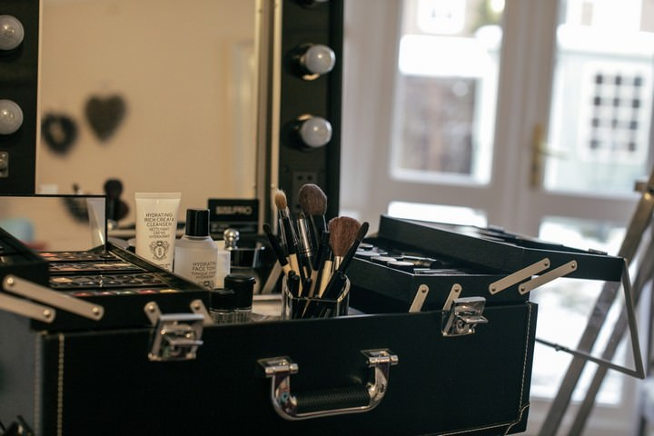 5 finding the right make up artist