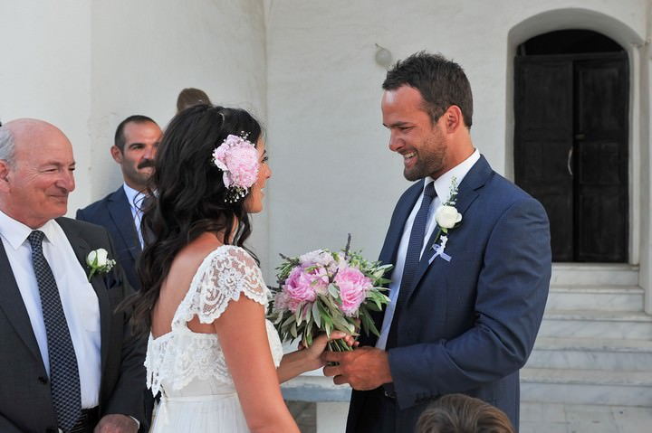 groom greeting brides outs