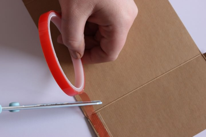 how to make Kraft Pocketfold Invitations
