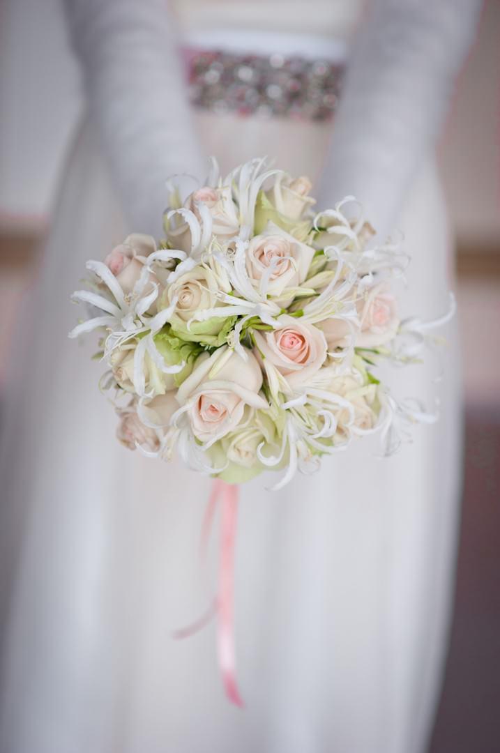 Max Mara Wedding Dress and bridal bouquet