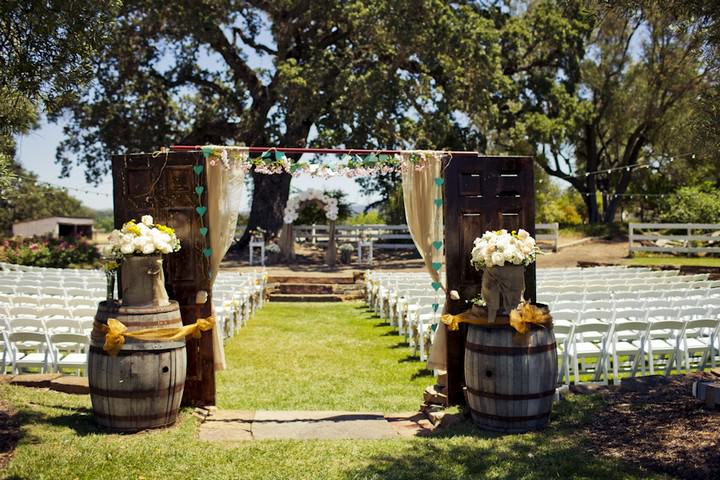 13 DIY Outdoor Wedding in Sunny California