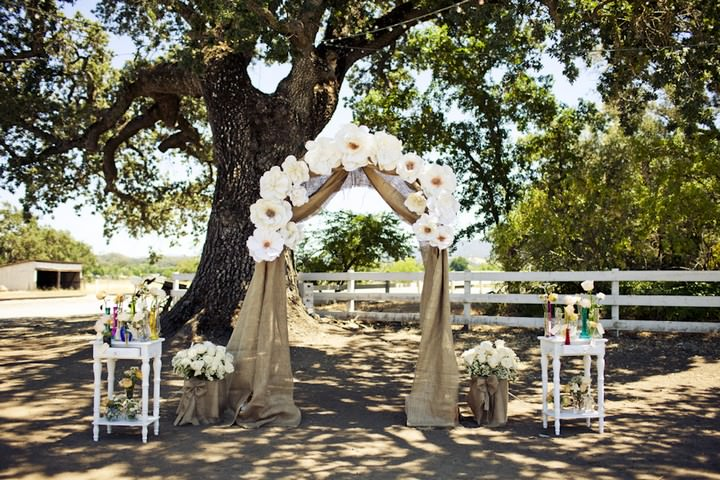 16 DIY Outdoor Wedding in Sunny California