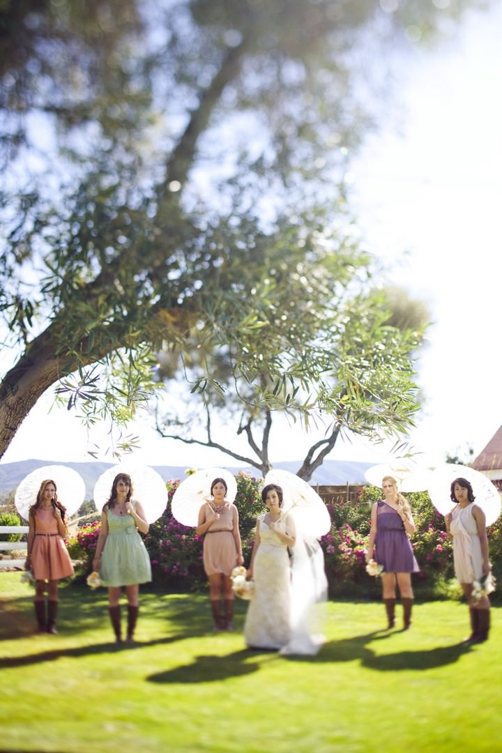 26 DIY Outdoor Wedding in Sunny California