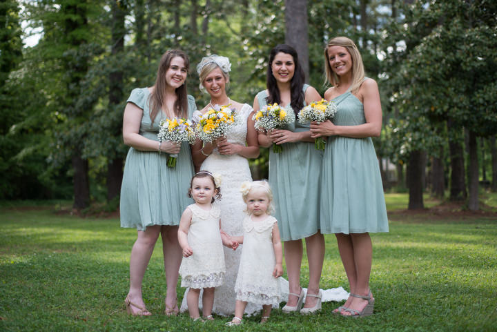 12 Burlap, Sunflowers and Hay Bale Wedding