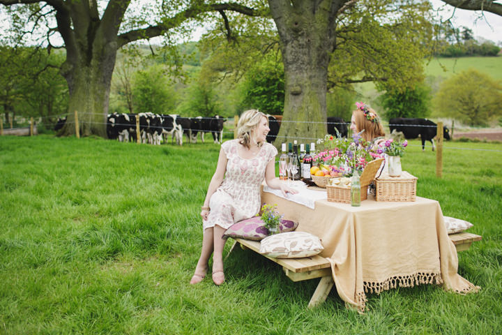 29 A Boho Inspired, Laid Back Day Out in The Country