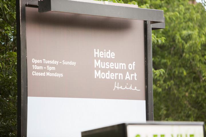 9 Museum of Modern Art Australian Wedding