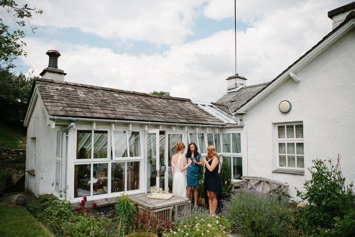10 Relaxed, Countryside Wedding