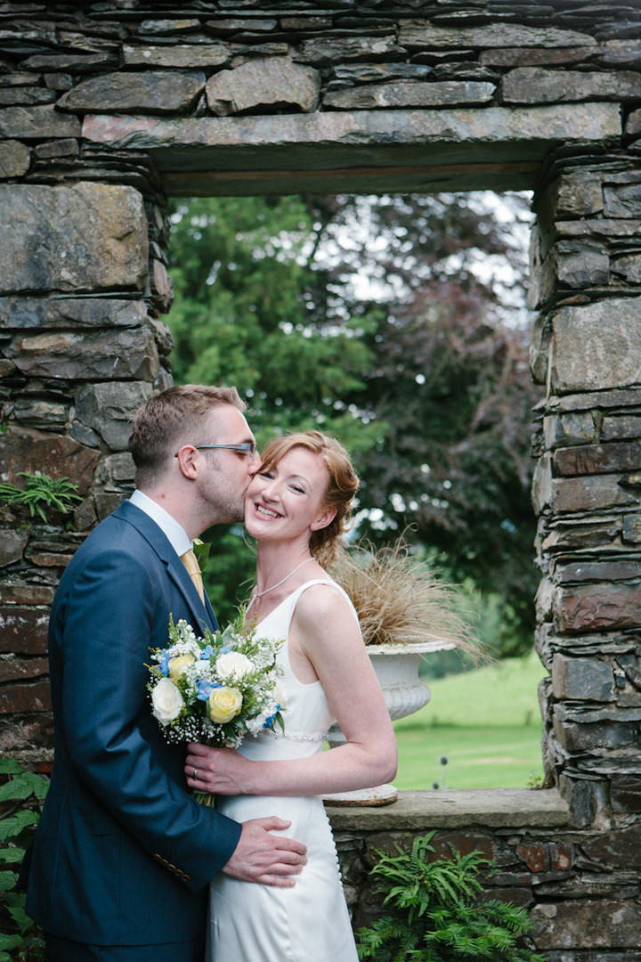 22 Relaxed, Countryside Wedding