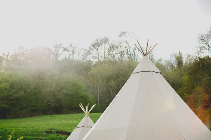 58 Summer Fete Homespun Barn Wedding. By Toast of Leeds