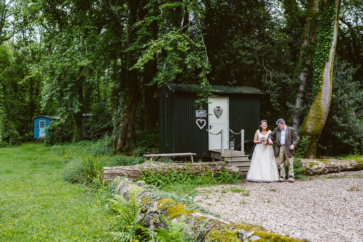 15 Handmade Wedding in The Woods Complete with Ferret Racing