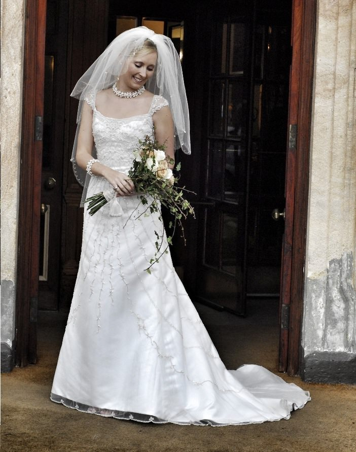 17 Older Wiser Married Rebecca Aspin from Sell My Wedding