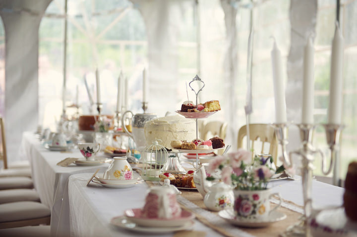 Leanne and robert 39 s 1950 39 s garden party wedding by for Afternoon tea decoration ideas