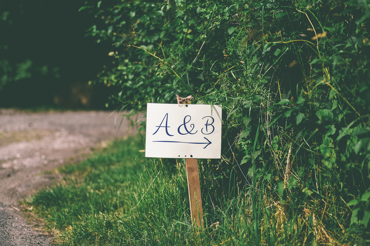 24 Relaxed, Rustic, Country Wedding By Emma Boileau