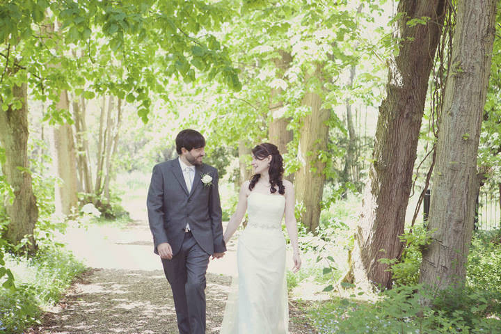 31 Travel Themed Relaxed Summer Wedding