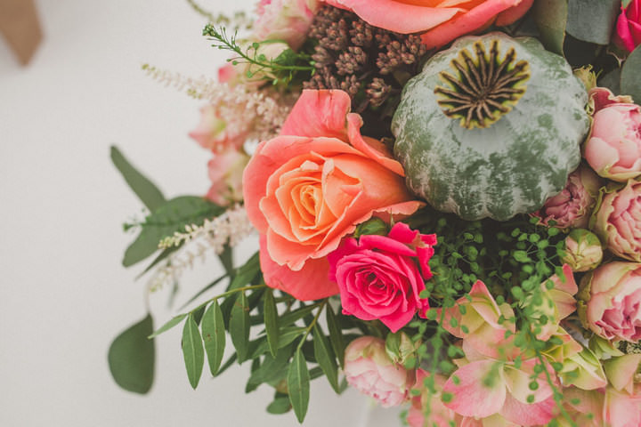 31 Relaxed Country Wedding With Florals and Lace