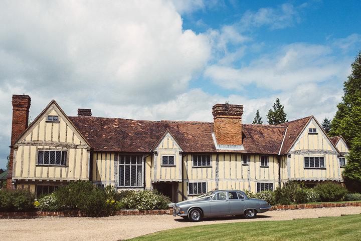 6 Vintage Wedding in Surrey by Babb Photos