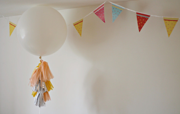 Balloon with tassels