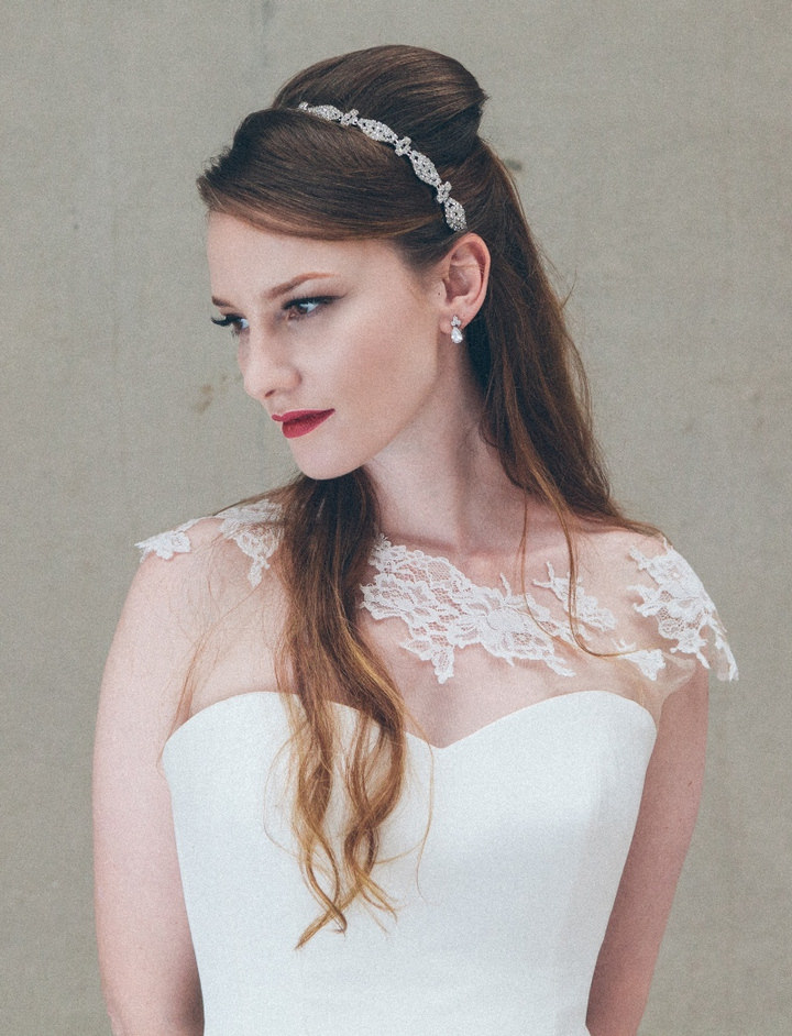 Coppelia headband £135 and Coppelia earrings £40 by Debbie Carlisle www.dcbouquets.co.uk (2)
