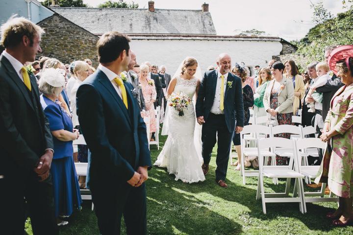 16 Cornish Farm Wededing By Helen Lisk