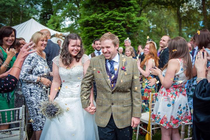 17 DIY Backyard Wedding by Mia Hooper