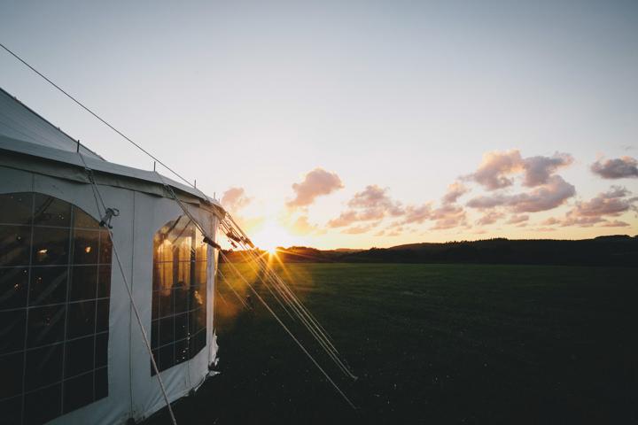 46 Cornish Farm Wededing By Helen Lisk