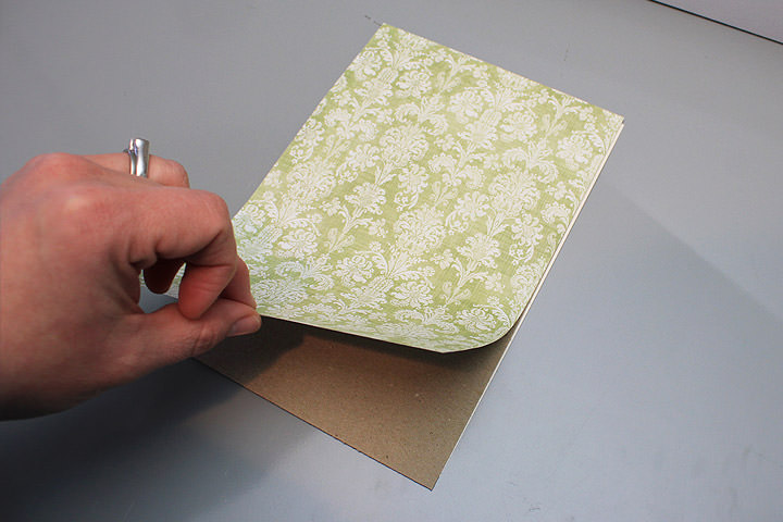 06-glue-pattern-paper-to-chipboard