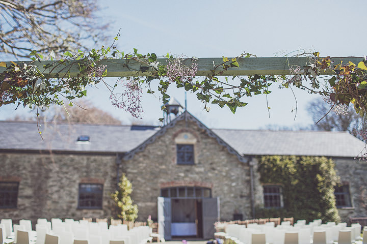 11 Vintage Glam Wedding in North Wales By Anna Hardy
