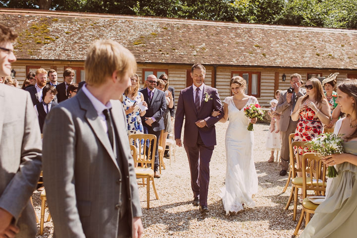 15 Sunny Countryside Barn Wedding By Paul Underhill
