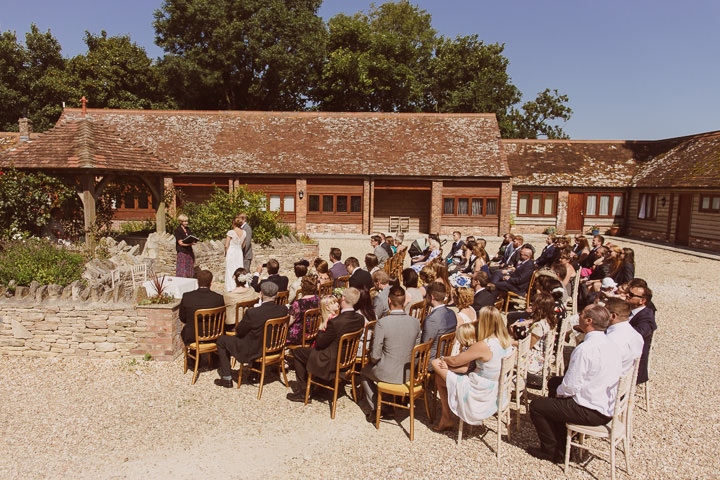 16 Sunny Countryside Barn Wedding By Paul Underhill