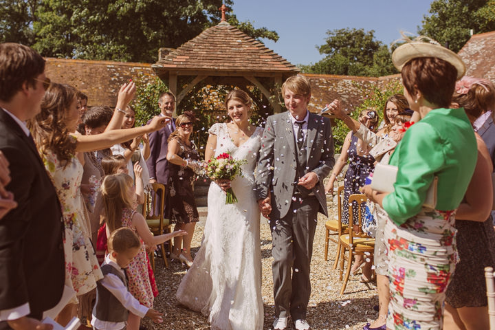 20 Sunny Countryside Barn Wedding By Paul Underhill
