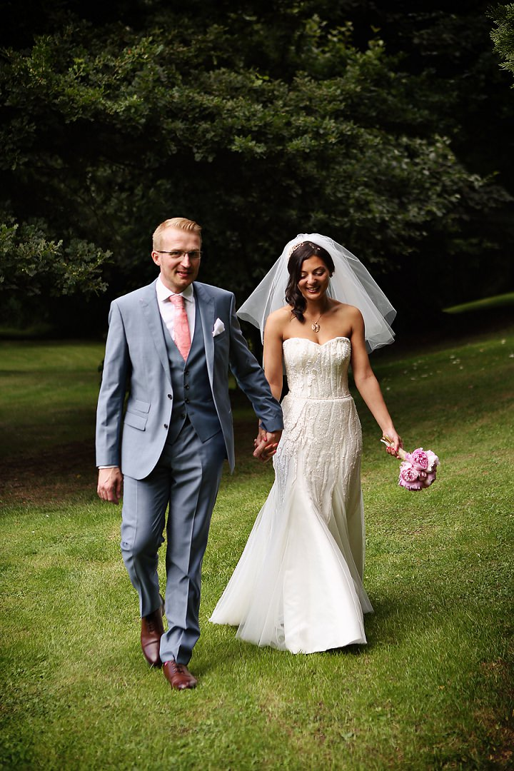 22 Outdoor Tipi Wedding at Bittenham Springs in the Cotswolds