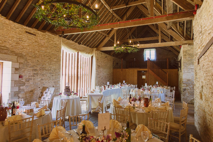 22 Sunny Countryside Barn Wedding By Paul Underhill