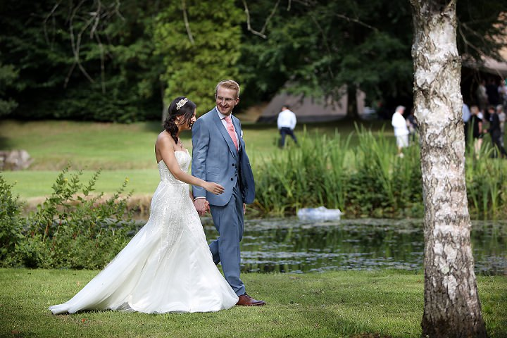 29 Outdoor Tipi Wedding at Bittenham Springs in the Cotswolds