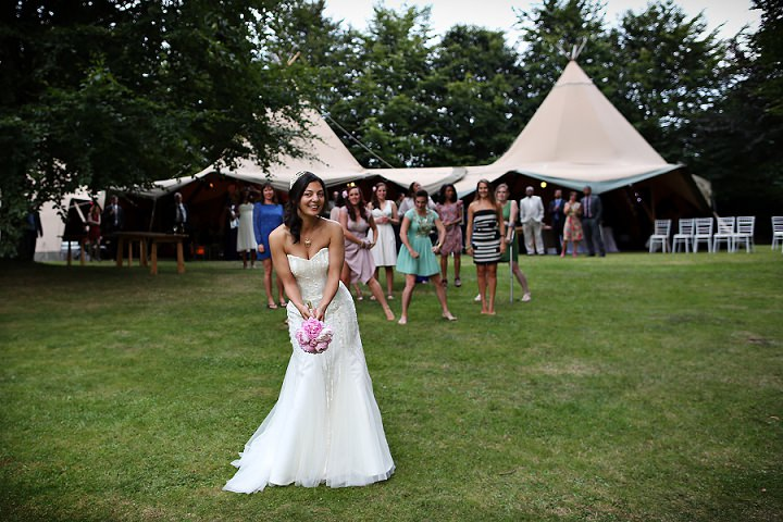 36 Outdoor Tipi Wedding at Bittenham Springs in the Cotswolds