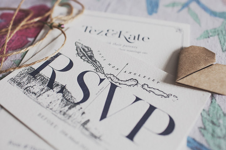 6 Vintage Glam Wedding in North Wales By Anna Hardy