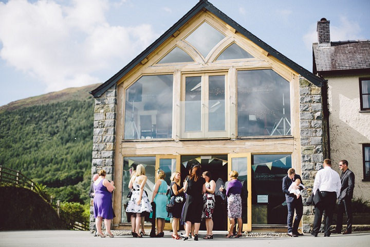 24 Weekend Long Snowdonia Wedding By Mike Plunkett