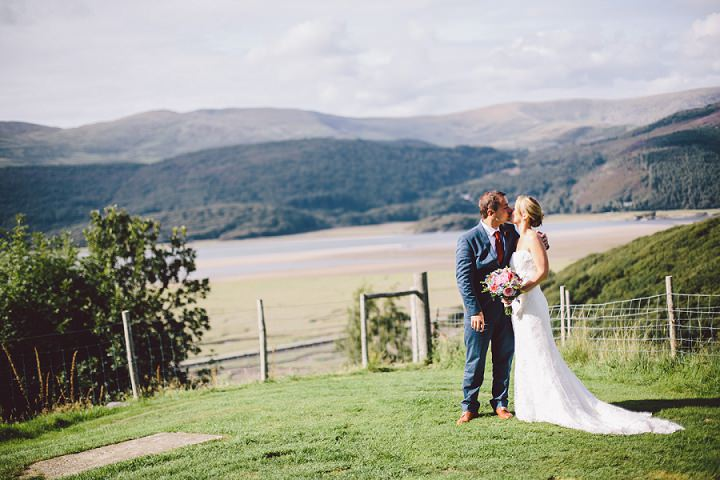 27 Weekend Long Snowdonia Wedding By Mike Plunkett