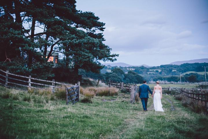 31 Weekend Long Snowdonia Wedding By Mike Plunkett