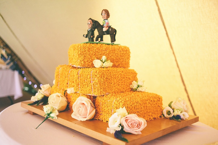 Hay Bales Wedding Cake